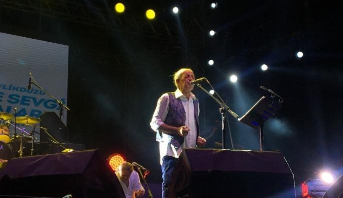 Beylikdüzü'nde Edip Akbayram konseri