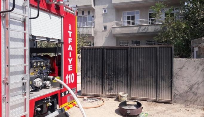 Bodrum katında çıkan yangın paniğe neden oldu
