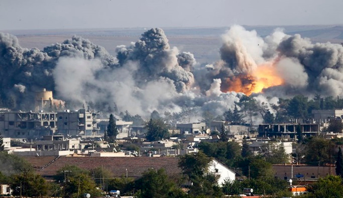 Deyrizor'a hava saldırısı: 20 sivil hayatını kaybetti