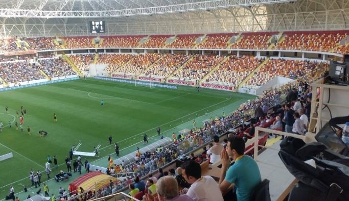 Evkur Yeni Malatyaspor yeni stadın kapılarını açtı