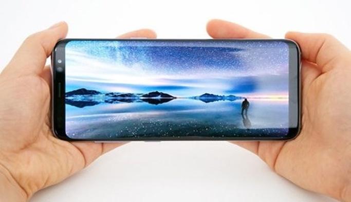 Galaxy A5 ve A7'ye sonsuz ekran geliyor