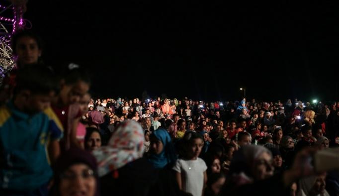 Gazzeli gelin ve damatlardan Arakanlı Müslümanlara destek