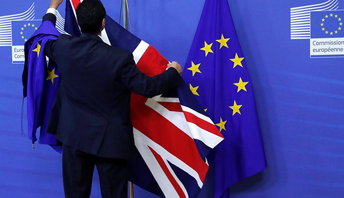 İngiltere AB'ye 'Brexit' tazminatı ödeyecek