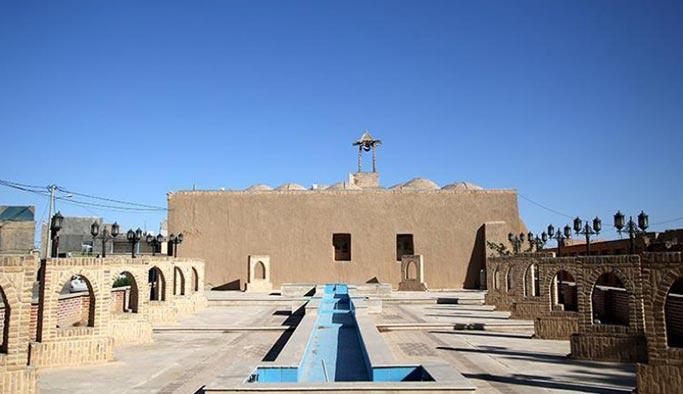 İran'da Tarihi Cacerm Camii