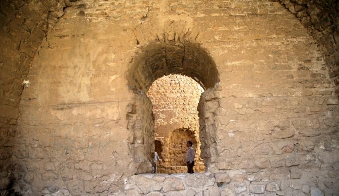 İran'ın kuzeyindeki tarihi ateş tapınağı