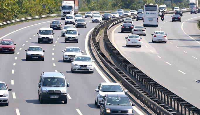 İstanbul'a girişlerde trafik yoğunluğu