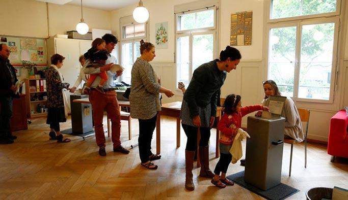 İsviçre'deki emeklilik yaşı referandumunda 'hayır' çıktı