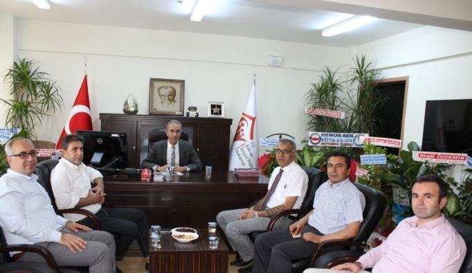 KHB Genel Sekreteri Öz'den Müdür Çelik'e 'hayırlı olsun' ziyareti