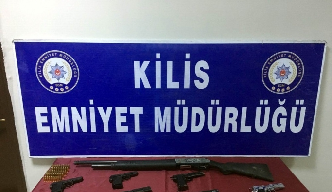 Kilis'te bir evde 11 adet tabanca operasyonu