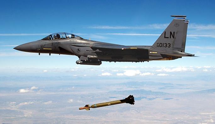 Koalisyon uçaklarından Suriye'de fosfor saldırısı