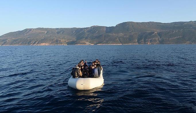 Meis Adası'nda sığınmacıları taşıyan bot battı