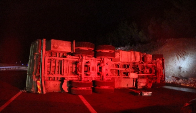 Mut'ta iki ayrı kaza: 1 ölü, 2 yaralı