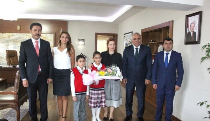 Öğrencilerden Vali Zorluoğlu'na ziyaret
