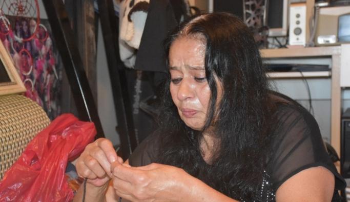 Sanatçı Akarsu'nun çalınan eşyaları annesine iade edildi