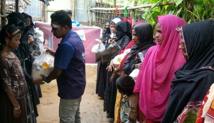 Sivil toplum kuruluşlarından Arakan'a yardım