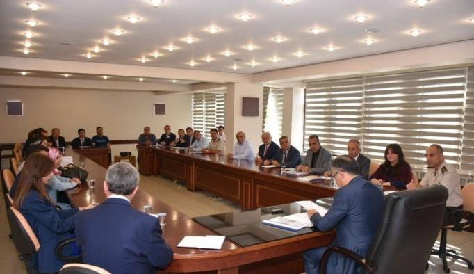 Vali Çeber başkanlığında eğitim öğretim yılı toplantısı yapıldı