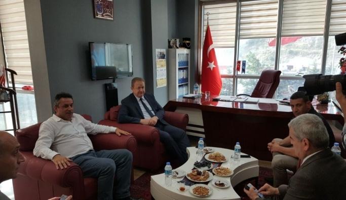 Vali Yavuz'dan Hekimoğlu'na taziye ziyareti