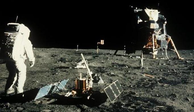 ABD, Ay'a yeniden astronot gönderecek