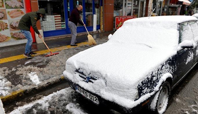 Ardahan'da bugün! Şehir beyaza büründü