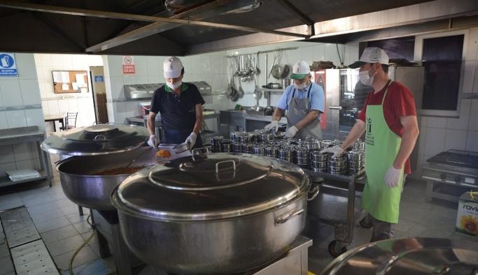 Aşevi evlere yemek servisi hizmetini sürdürüyor