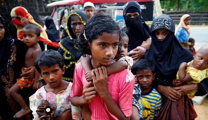 Bangladeş'teki 320 bin Arakanlı çocuğun desteğe ihtiyacı var