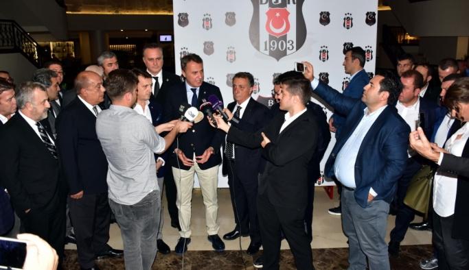 """""""Beşiktaş'ı aşağı çekiliyor"""""""