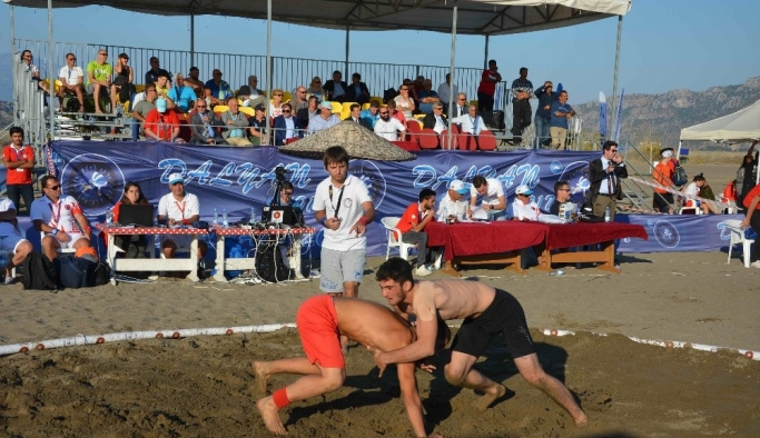 Dalyan'da Dünya Plaj Güreşi Şampiyonası