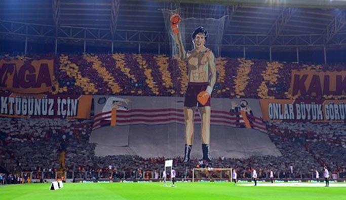 Galatasaray taraftarının açtığı pankarta soruşturma