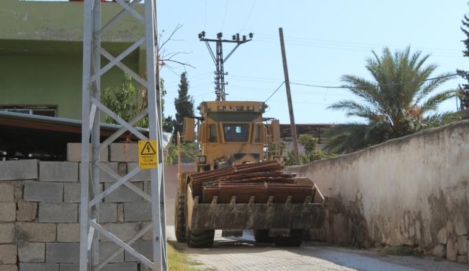 İdlib-Reyhanlı sınır hattında iş makineleri mevzi kazıyor! İşte sınırda son durum