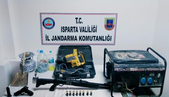Kaçak kazı yapan 5 kişi yakalandı
