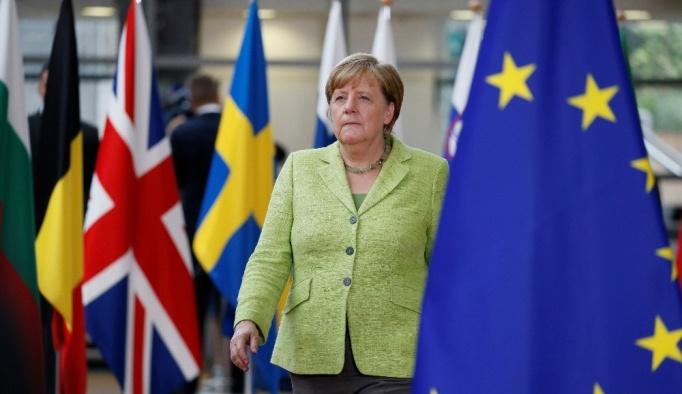 Merkel, Türkiye'ye verdiği sözü hatırladı