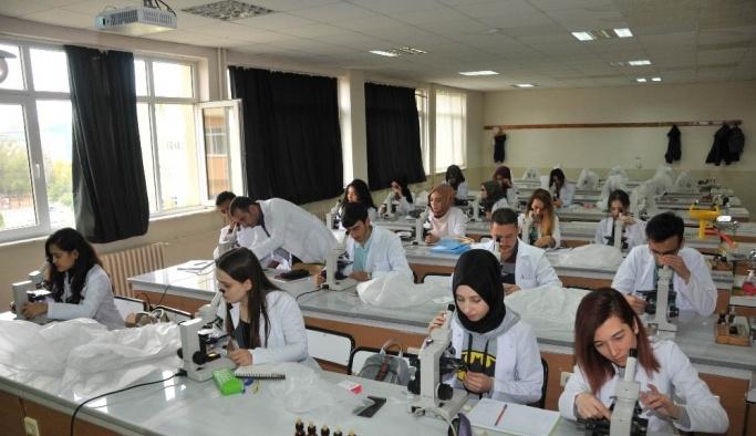 """Prof. Dr. Küçüködük: """"Selçuk Üniversitesi Fen Fakültesi örnek oluyor"""""""
