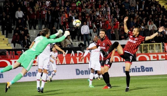 Süper Lig: Gençlerbirliği: 1 - Beşiktaş: 0 (İlk yarı)