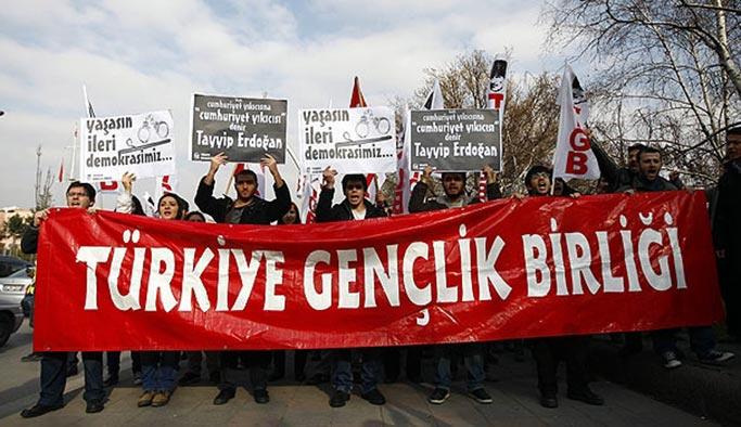 Atatürkçü gençler: Erdoğan'ın yanındayız