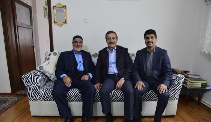 Başkan Ataç Çukurhisar'da ziyaretlerde bulundu