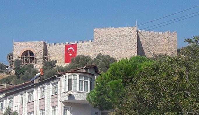 Bin 400 yıllık Hereke Kalesi gün yüzüne çıkıyor