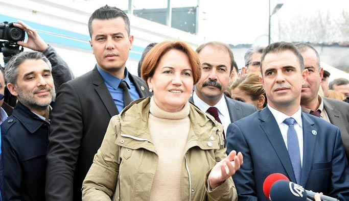 CHP'nin karşıladığı Akşener'den 'ittifak' sinyali