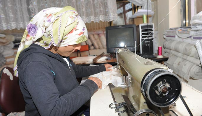Dar gelirli kadınlara 700 milyon liralık mikrokredi