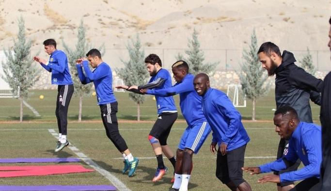 E. Yeni Malatyaspor'da milli futbolcular döndü
