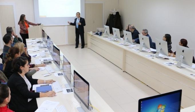 ESOGÜ Enformatik Bölümü tarafından ESOGÜ Ders Yönetim Sistemi eğitimi gerçekleştirildi