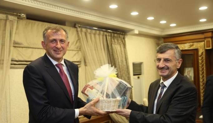 Gürcistan Acara Özerk Cumhuriyeti Hükümet Başkanı Pataradze: