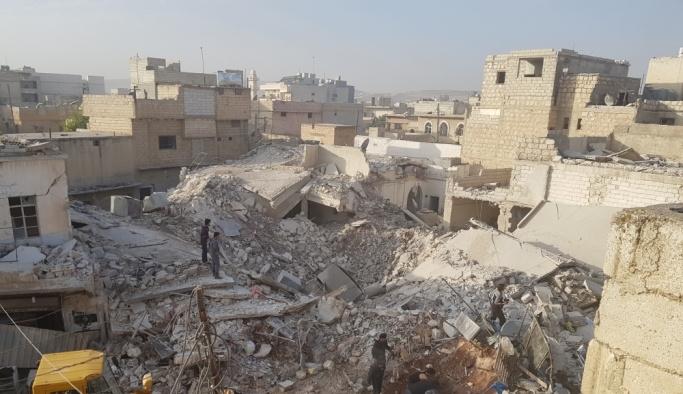 İdlib'de sivillere hava saldırısı, en 20 ölü var