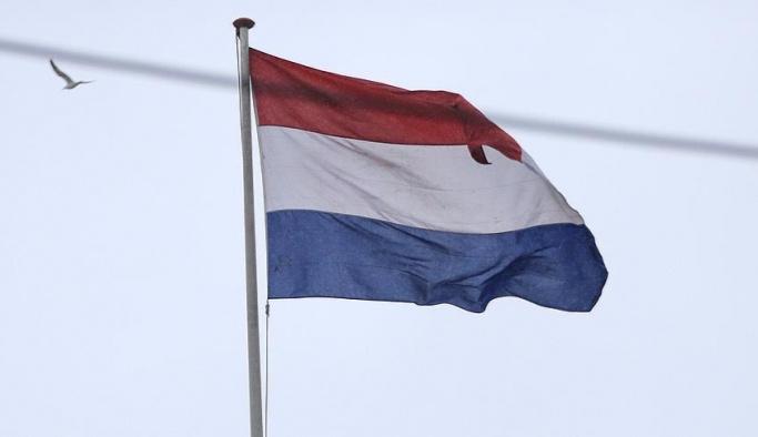 Hollanda'da başörtülü polise ayrımcılık