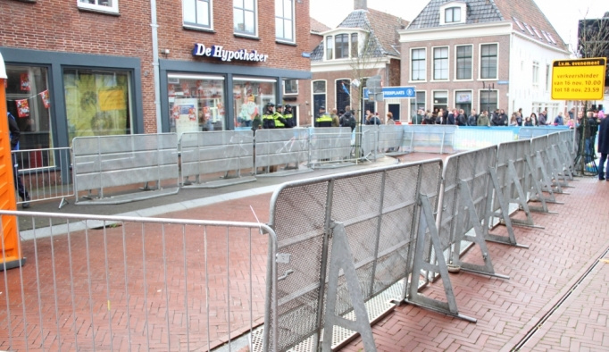 Hollanda'da ırkçılık karşıtı protesto yasaklandı