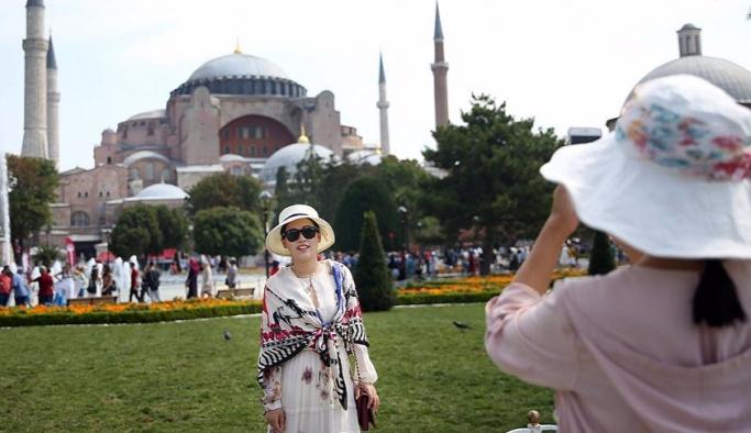 İstanbul 10 ayda 9 milyon turist ağırladı
