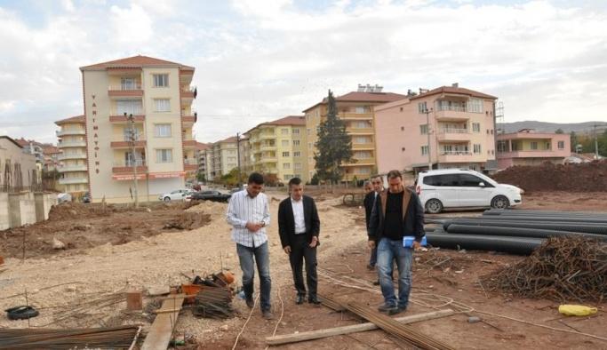Kaymakam Aksoy okul inşaatında incelemelerde bulundu
