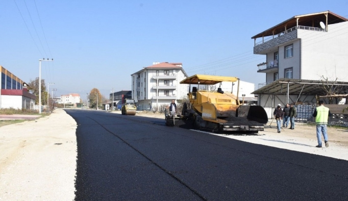 Mergiç mahallesinde asfaltlama çalışması