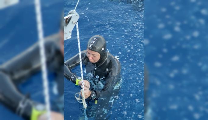 Milli dalgıç Derya Can'dan yeni dünya rekoru