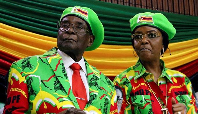 Mugabe'ye kendi partisinden darbe