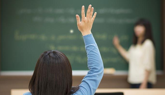 Öğretmenler çok çalışıp az kazanıyor